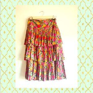 Albert Nipon 🌺 Silk skirt pleated and tiered